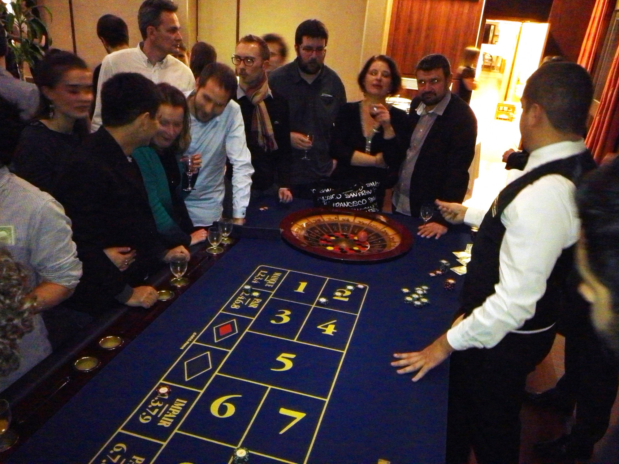 3 card poker table
